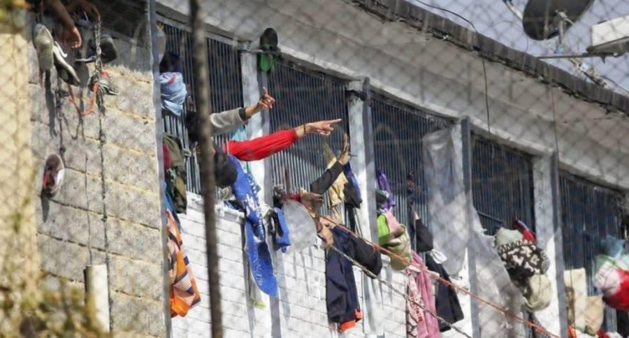 23 presos murieron y 83 resultaron heridos en motines en Colombia