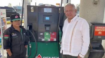 Bajamos los precios de la gasolina en apoyo a la economía: AMLO