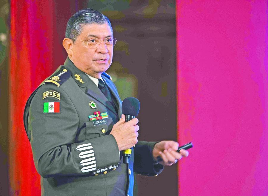 Revelan que casi 136 mil efectivos resguardan la seguridad del país