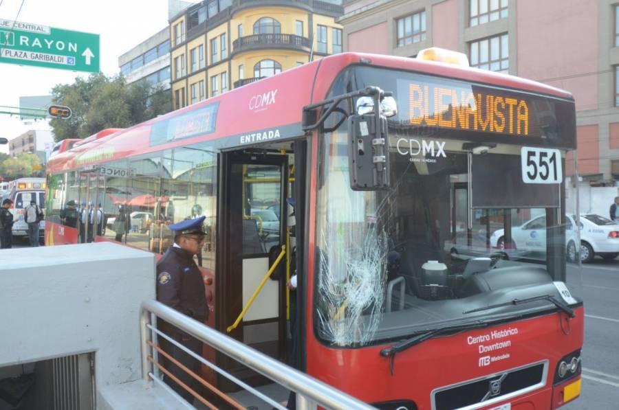 Metrobús no suspende servicio, realizará ajustes por Covid-19