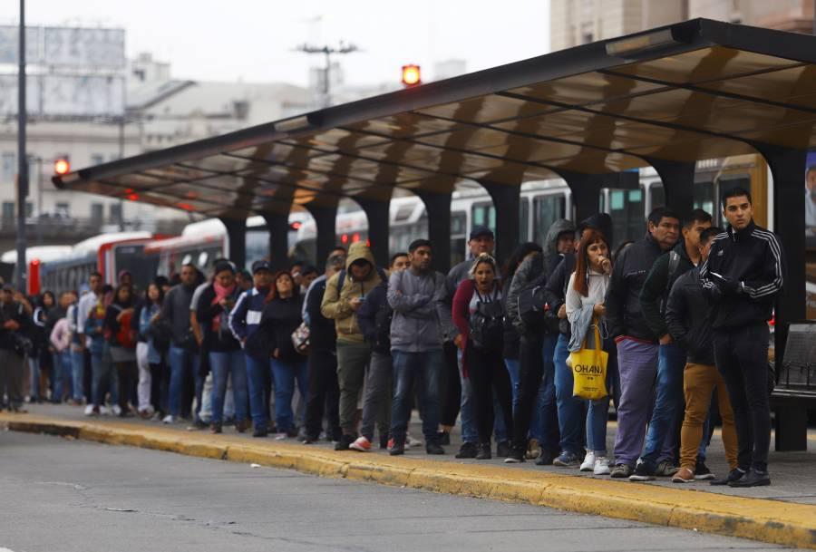 Argentina anuncia pago único a trabajadores de bajos ingresos por el Covid-19
