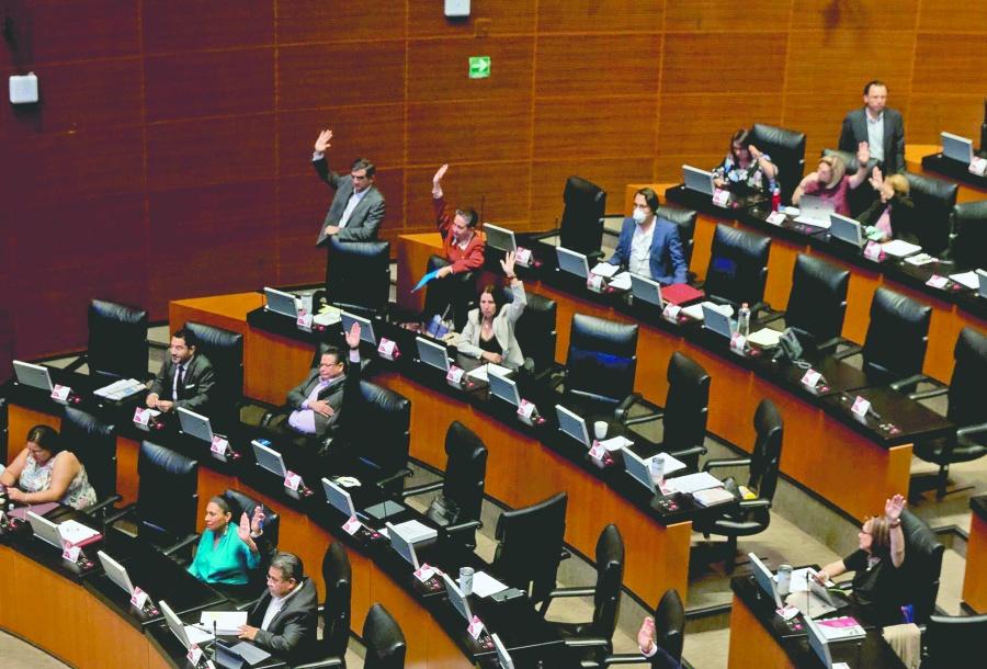 Senado sesiona en plena fase 2 de Covid