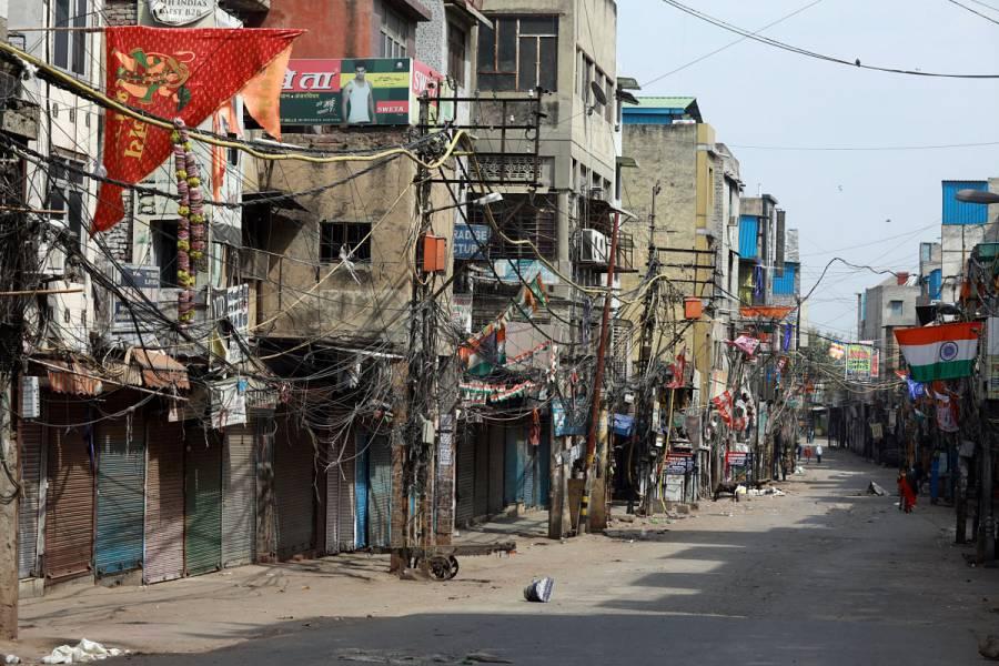 India decreta 21 días de aislamiento total por coronavirus