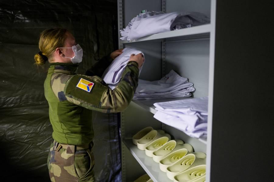 Con el ejército, Francia refuerza estrategia contra el Covid-19