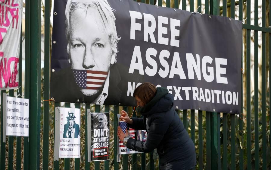 Reino Unido niega liberar a Assange por coronavirus