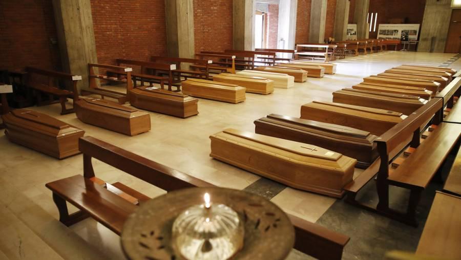 Ante la rápida propagación del COVID-19, Italia prohíbe funerales