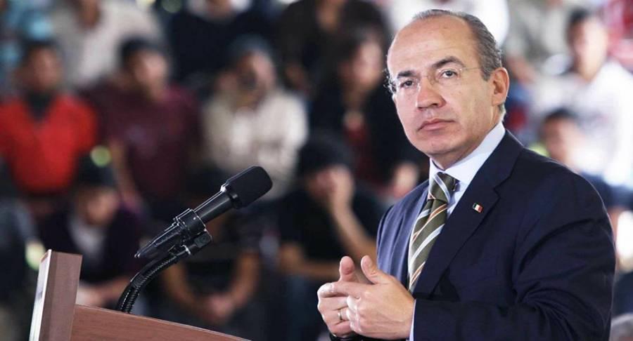 AMLO se burla de aerogeneradores: Calderón