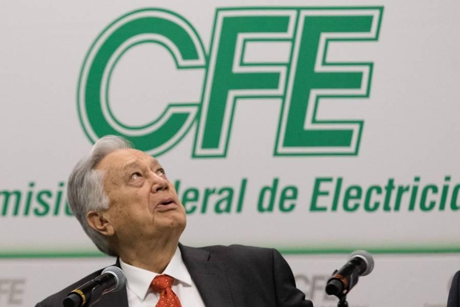 S&P rebaja nota crediticia a la CFE