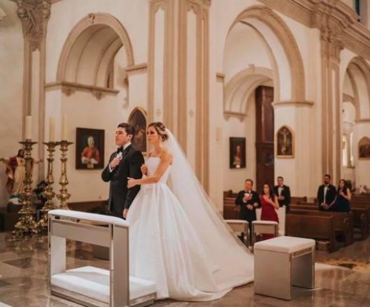 Entre abrazos, besos y el coronavirus, se casa senador Samuel García