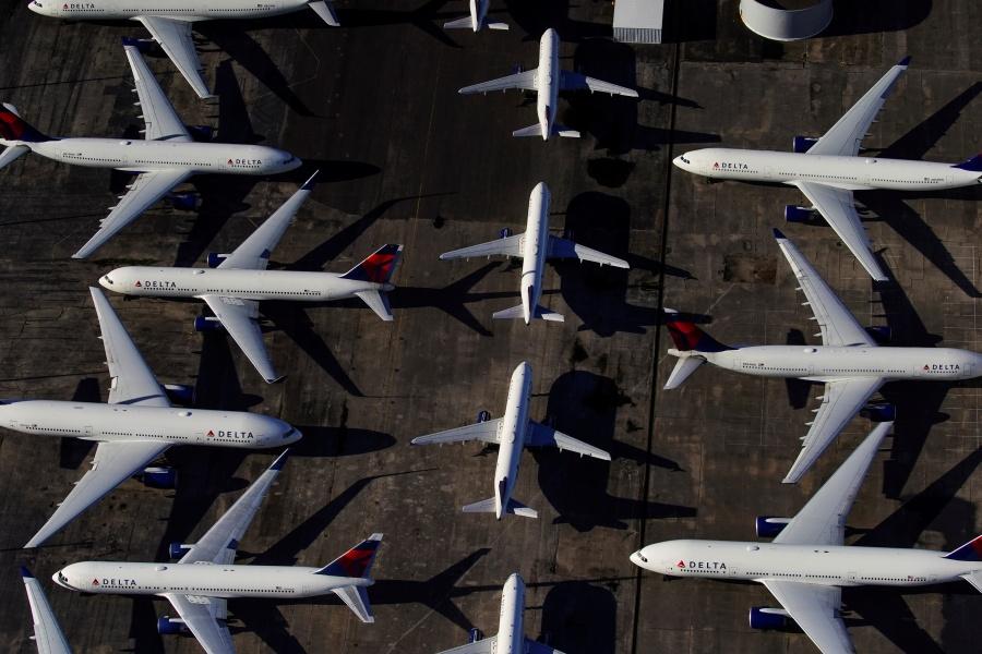 Sin vuelos cae turismo 14.7%, advierte Torruco