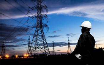 Caen ingresos petroleros, aumentan los tributarios