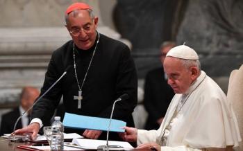 Hospitalizan a Vicario del Papa Francisco por coronavirus