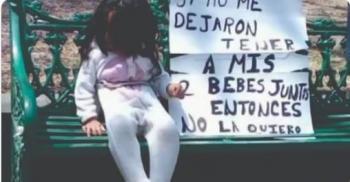 Video: Mujer pretendía abandonar a su hija amarrándola en una banca, Puebla