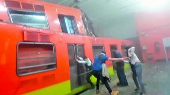 Choque de convoyes fue omisión de chofer: Metro