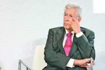 Ruiz Esparza sufre infarto cerebral; está en observación