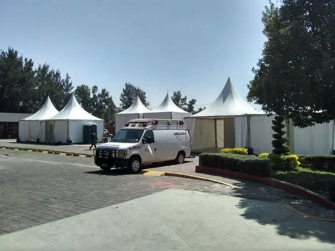 Habilitan consultorios médicos temporales junto a 7 hospitales en CDMX