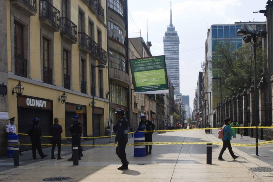 Para evitar contagios, cierran calle de Madero en la CDMX