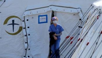 Incrementan a 5 mil 100 los fallecidos en EU por coronavirus