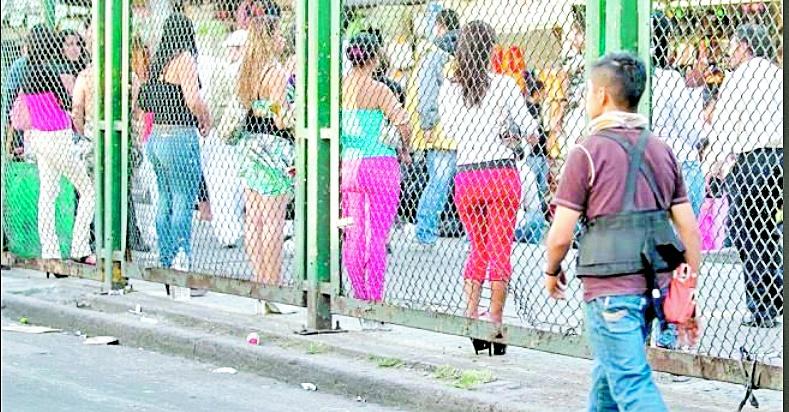 CDMX entrega despensas y 2 mil pesos a sexoservidores