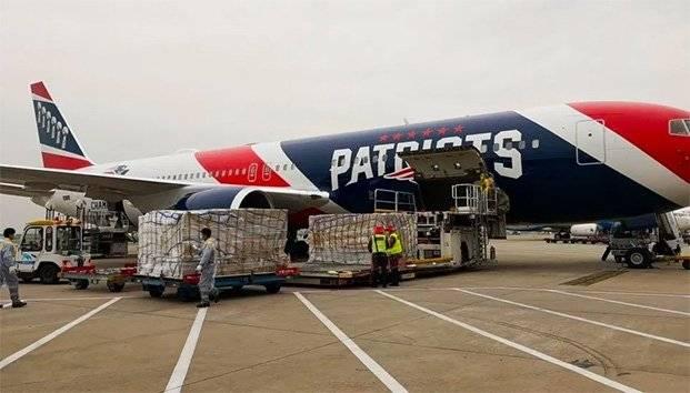 Avión de los Patriots de Nueva Inglaterra apoyo para conseguir 1 millones 200 mil mascarillas para Massachusetts
