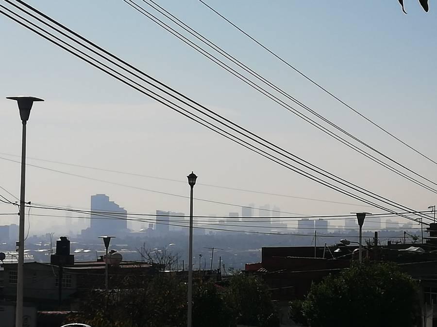 Pide Gobierno cuidar salud por calor que provoca altas concentraciones de ozono en la metrópoli