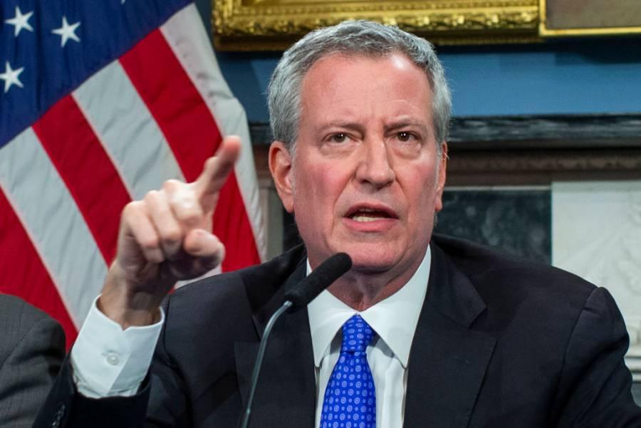 Indica alcalde de Nueva York necesidad de cubrirse la cara por Covid-19