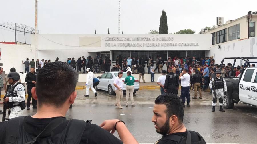 Deportados de EU provocan albergue en Coahuila para escapar