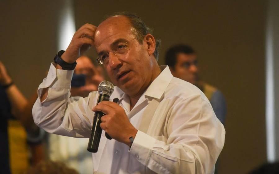 Afirma Felipe Calderón que México debe contraer deuda para combatir Covid-19