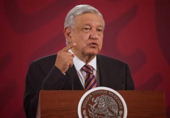 AMLO anuncia que Gobierno Federal devolverá tiempos oficiales a radio y televisión