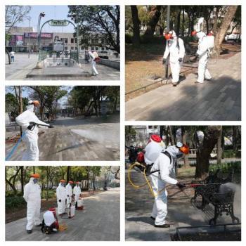 Sanitizan plazas públicas de la CDMX