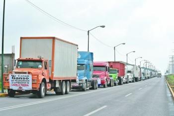 Crecerán asaltos a transportistas por pandemia, advierten