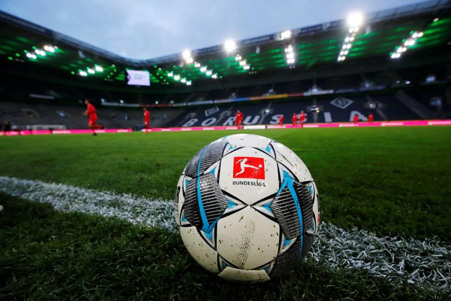 Equipos de la Bundesliga vuelven a entrenar en medio de contingencia