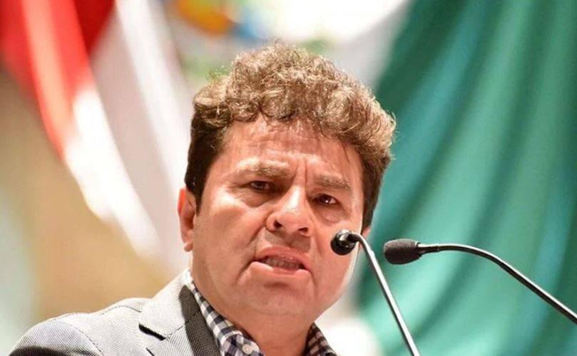 Detienen a exdiputado Juan Vera por ataque a saxofonista María Elena Ríos