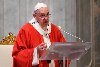 El Papa crea un fondo para ayudar a los países más débiles contra Covid-19