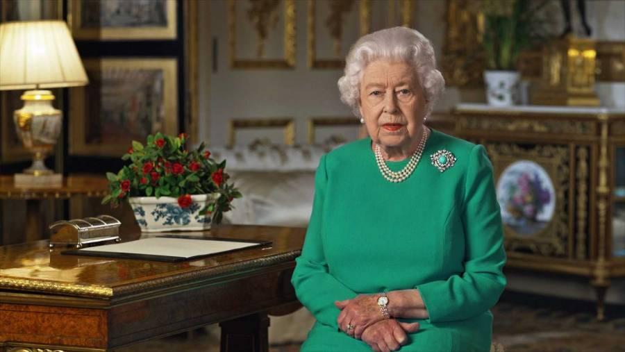 """La Reina Isabel: """"La prometida de Boris Johnson, embarazada y posiblemente con Covid-19"""""""