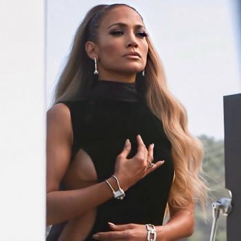 Jennifer Lopez suspende su boda a causa de Covid-19