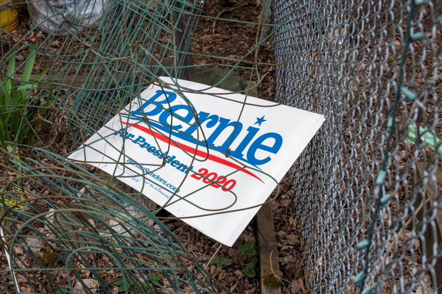 Bernie Sanders se baja de la  contienda presidencial en EU