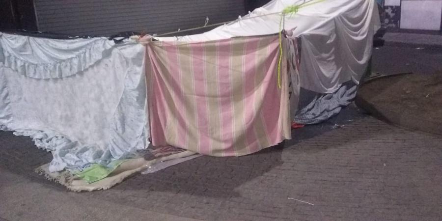 Sexoservidoras acampan en plena calle para pasar pandemia