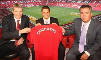 """Hace 10 años, """"Chicharito"""" fichó con el Manchester United"""
