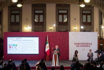 """Afirma AMLO que es """"voluntario"""" para altos funcionarios renunciar al aguinaldo"""