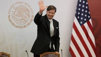 Embajador de Estados Unidos llama a 'alinear prioridades' ante coronavirus