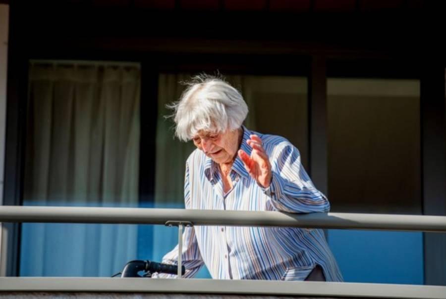 Mujer holandesa de 107 años supera al coronavirus