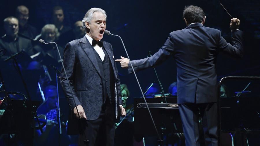 El domingo Andrea Bocelli cantará plegaría desde el Duomo de Milán