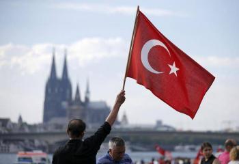 Turquía inicia excarcelaciones ante COVID-19