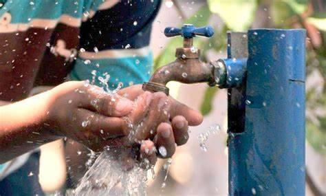 Condonan el pago de agua del 2015 al 2020 en Iztapalapa