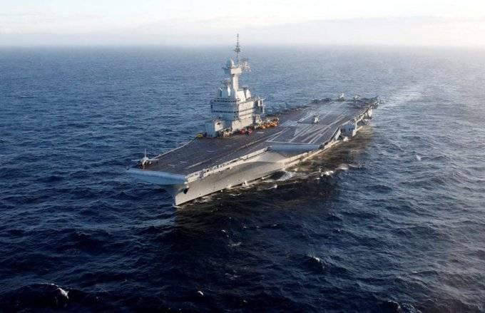 Más de mil marinos Franceses con COVID-19; tripulaban el portaaviones