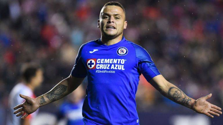 Jonathan Rodríguez pudiera dejar a Cruz Azul para jugar en Europa