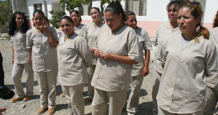 Amnistía permitiría liberar a 3 mil internas por drogas