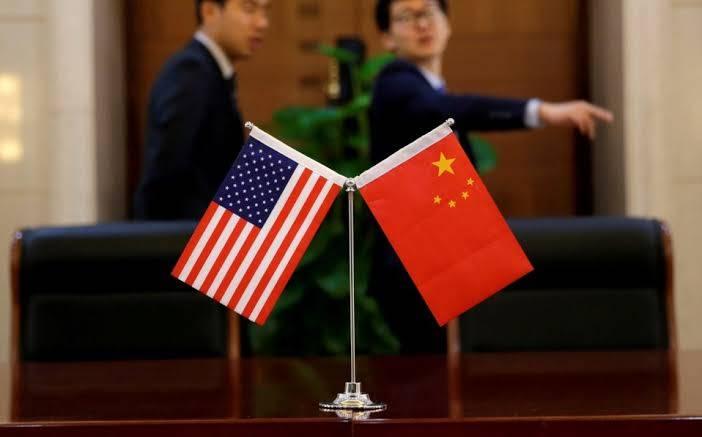 EUA acusa a China de acumular equipos de protección sanitaria