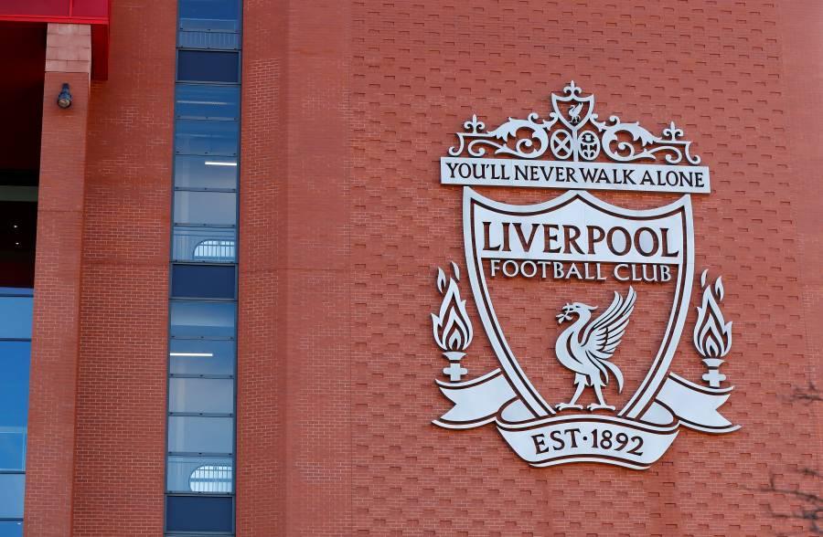 Liverpool rinde homenaje al servicio médico inglés